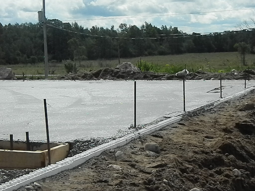 Pouring footer 016